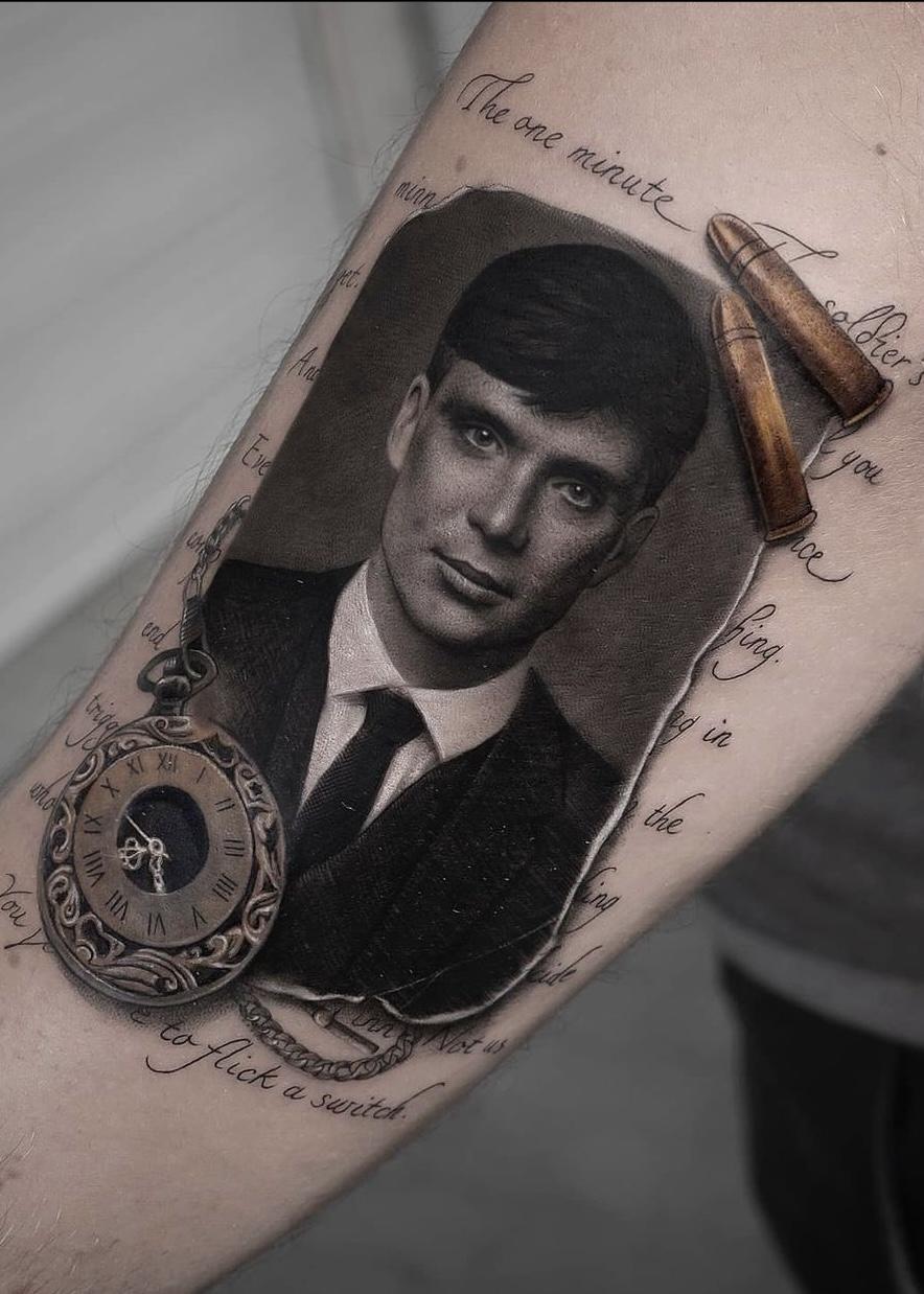 black.minimal.tattoo
